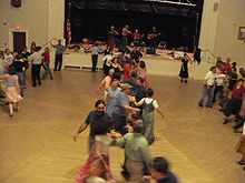 contra_dance_chicago-gay-queer