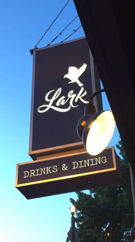 the lark pizza restaurant chicago